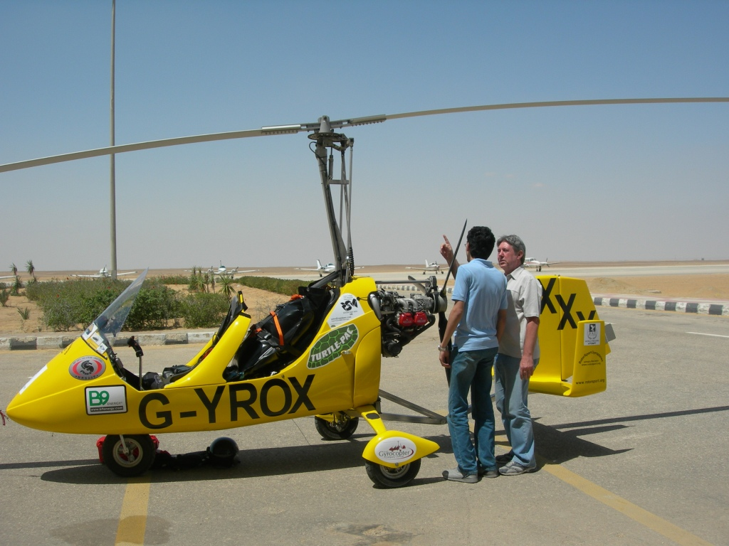 Eddie and Ahmed discuss how the main rotor works without any power source!