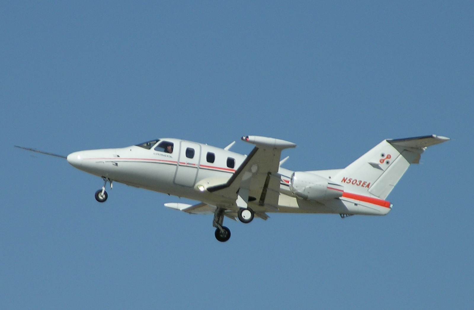 Eclipse 500 take off